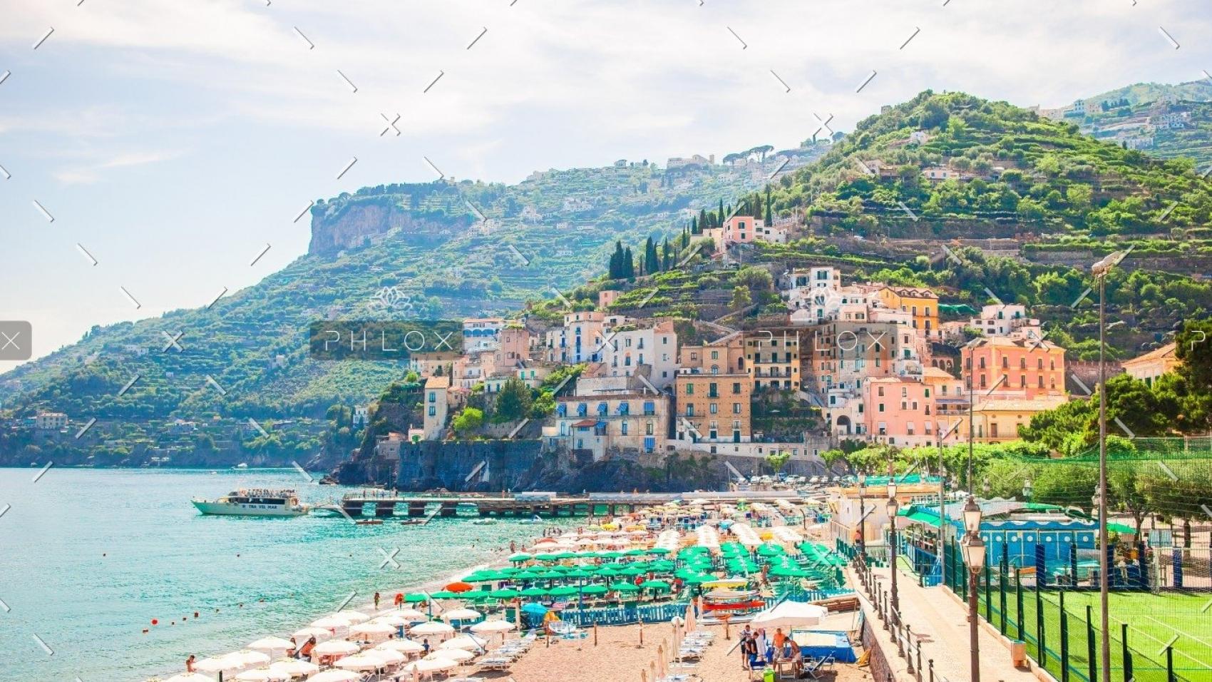 demo-attachment-155-beautiful-coastal-towns-of-italy-scenic-amalfi-M96DQV4
